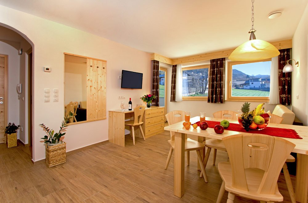 urlaub auf dem bauernhof pustertal ferienwohnung pfalzen stiflerhof. Black Bedroom Furniture Sets. Home Design Ideas